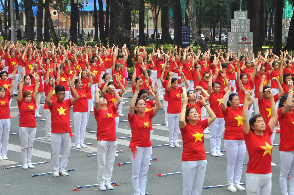 Nearly 3,000 elderly perform ayurvedic exercise in Ho Chi Minh city