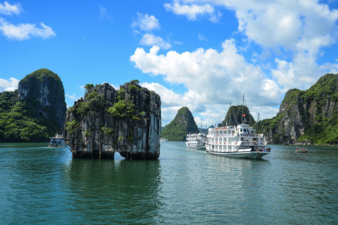 Ha Long city's tourism services improved to attract more tourists