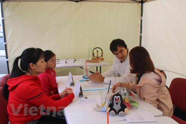 Young Vietnamese doctors help improve community health in Czech Republic