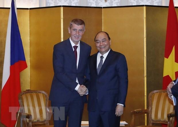 PM meets leaders of Czech Republic, Bulgaria, Albania