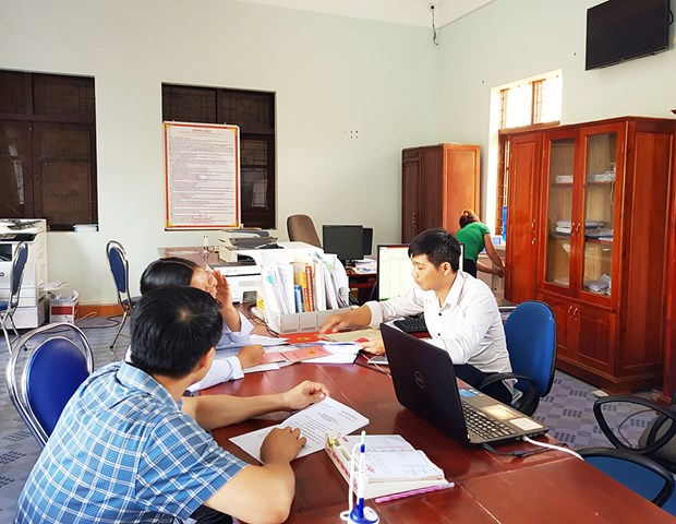 Quang Ninh works hard on administration procedure simplification