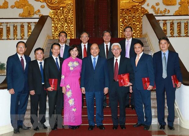 PM receives ambassadors, heads of representative agencies