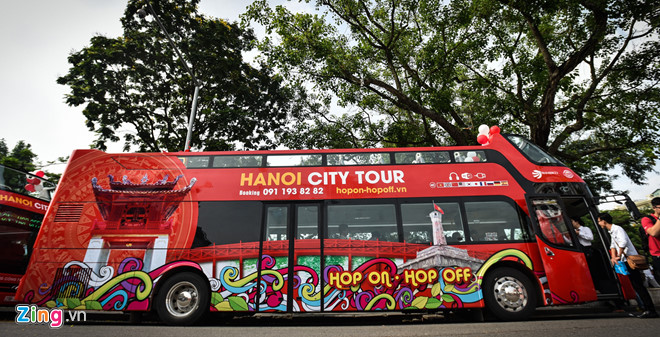 Double-decker buses piloted to serve tourists in Ho Chi Minh city