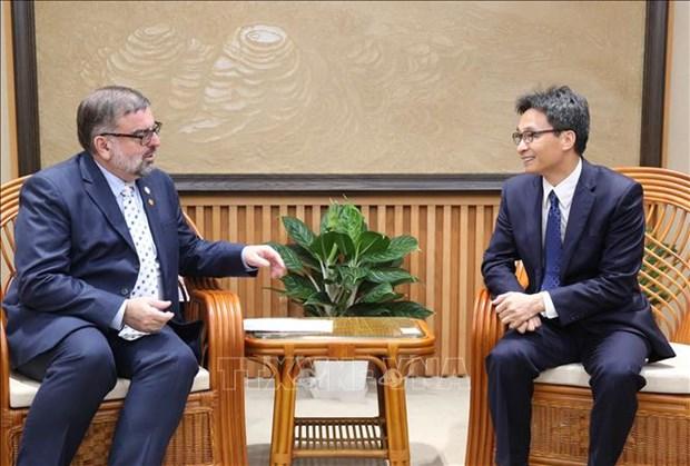 Deputy PM receives UN HIV/AIDS official