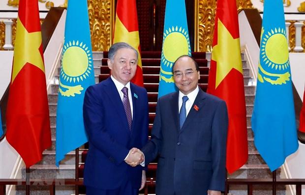 PM receives Kazakhstan's lower house leader