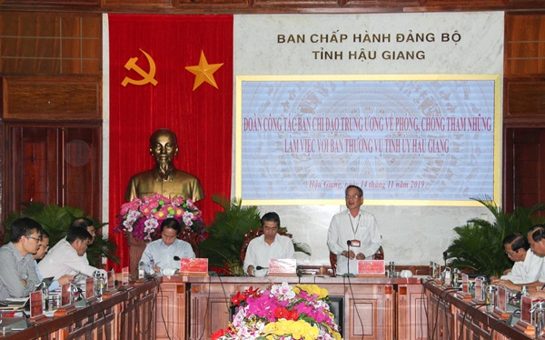 Working sessions on anti-corruption in Hau Giang and Can Tho