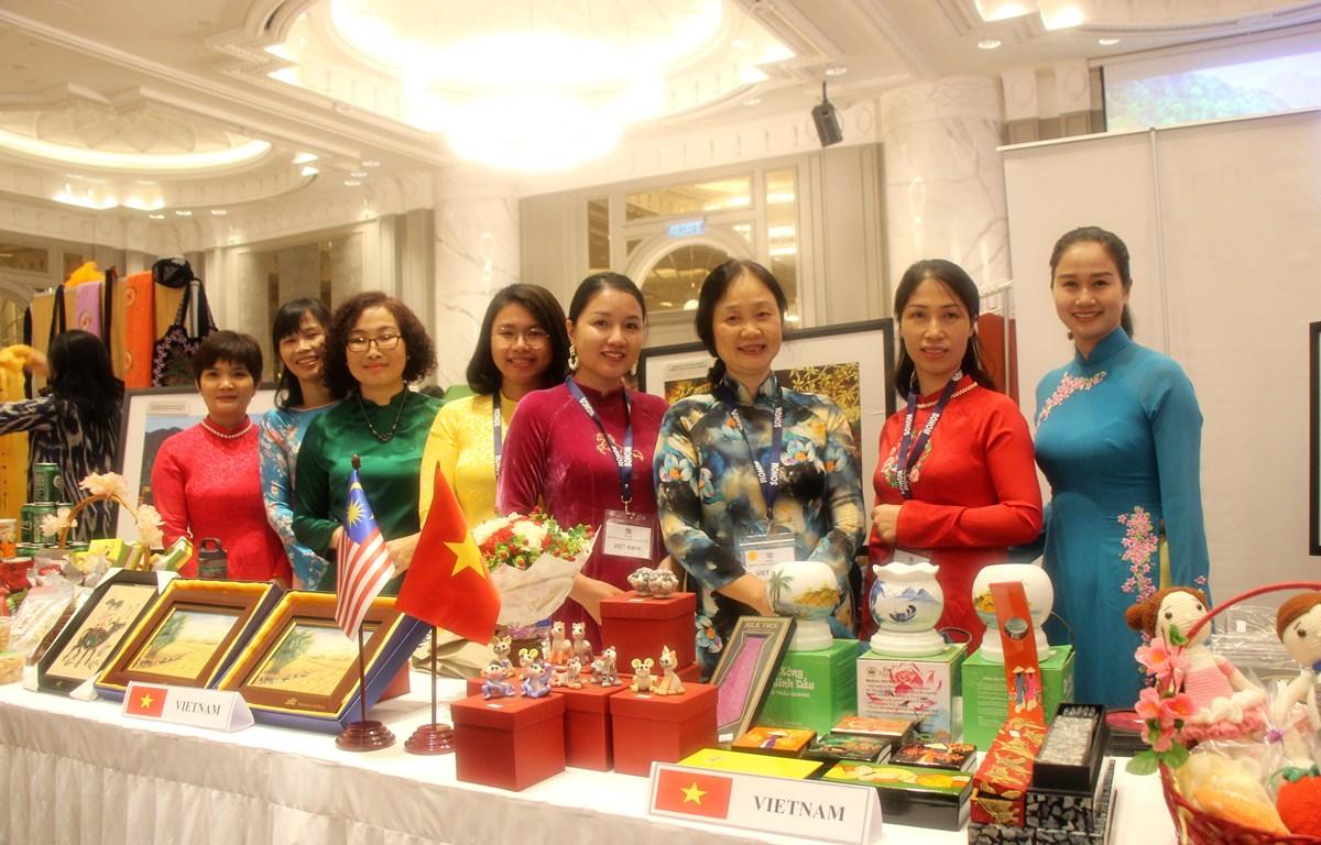 Vietnam participates in international charity bazaar in Malaysia