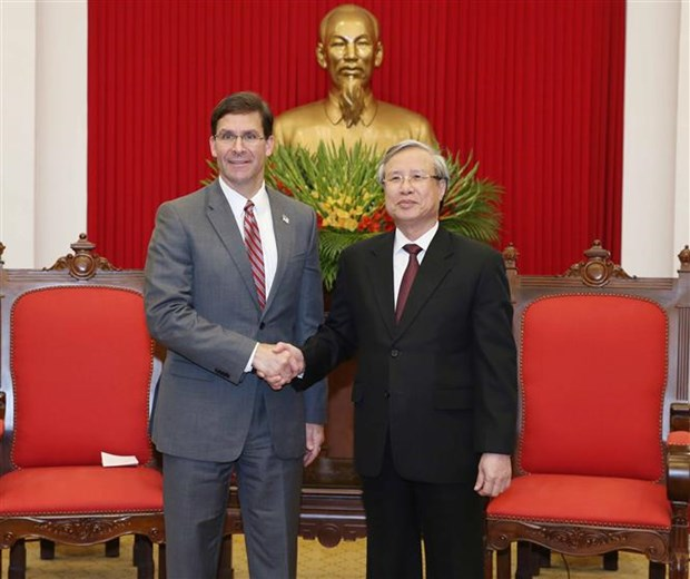 Party leading official welcomes US Defence Secretary