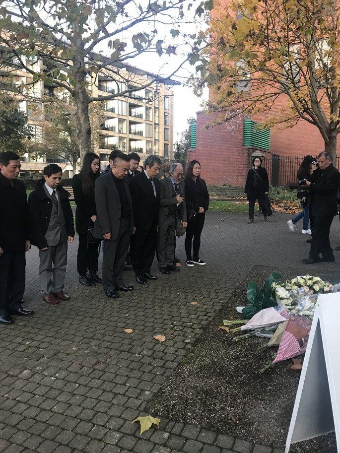 Vietnamese community in UK commemorates 39 Essex lorry victims