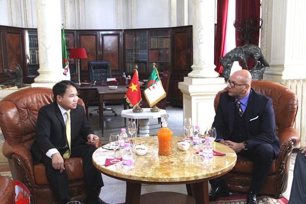 Vietnam promotes trade, investment with Algeria