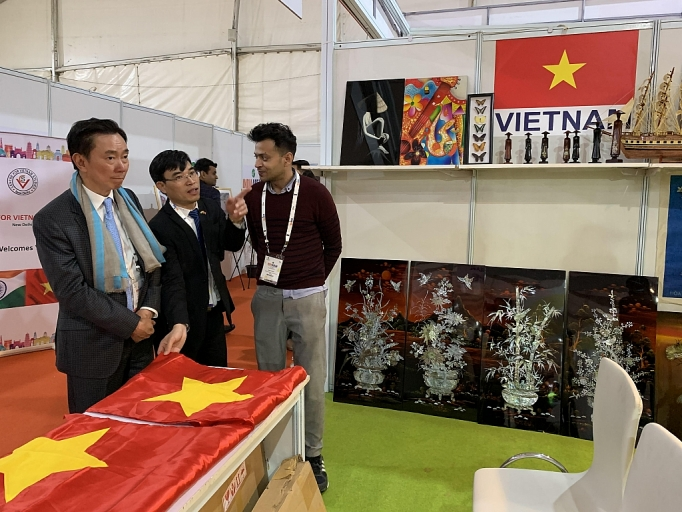 Vietnam's handicraft products promoted in India
