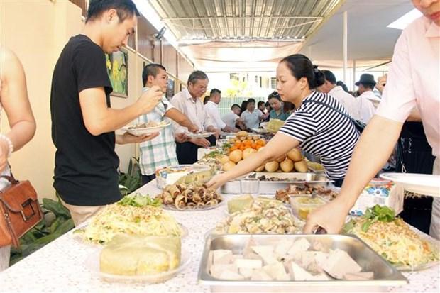 Vietnamese communities in Czech Republic, Angola welcome New Year