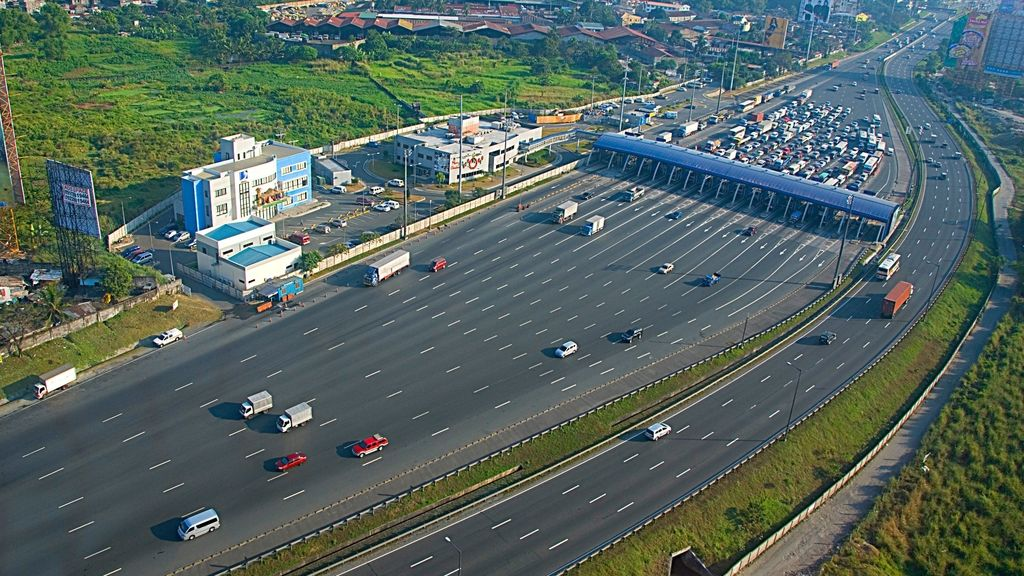 Philippines government implements major infrastructure projects