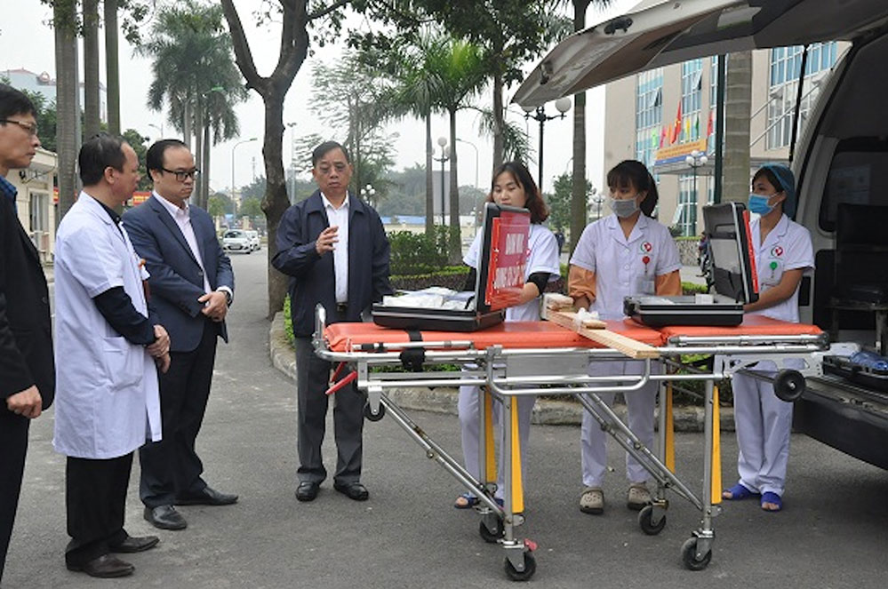 Emergency response medical care 24/24 hours on Tet holiday