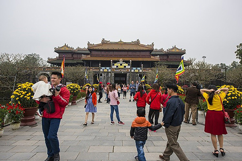 Cultural activities on Tet at Hue Imperial Citadel