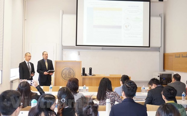 Science research workshop held for young Vietnamese intellectuals in Czech Republic