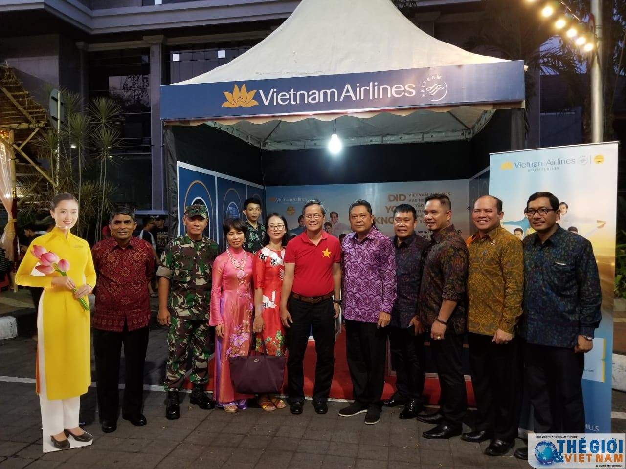 Vietnamese tourism promoted at Indonesia's Denpasar Street Festival