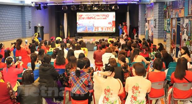Overseas Vietnamese in Macau welcome early Tet