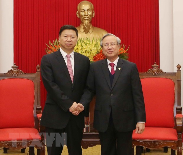 Vietnam, China should develop stable ties together: Party official