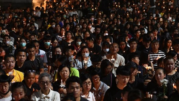 Vigil held for victims of Thailand mass shooting