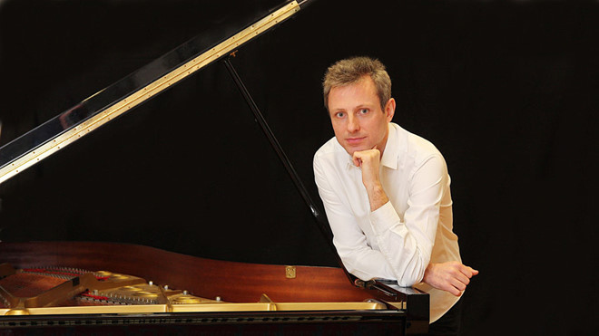 French pianist to perform in Vietnam