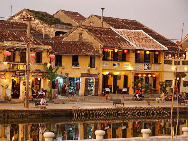 Solutions for Hoi An ancient town preservation in 2020-2025 period