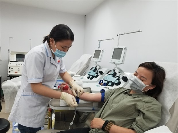 Young people in Ho Chi Minh City call on peers to donate blood
