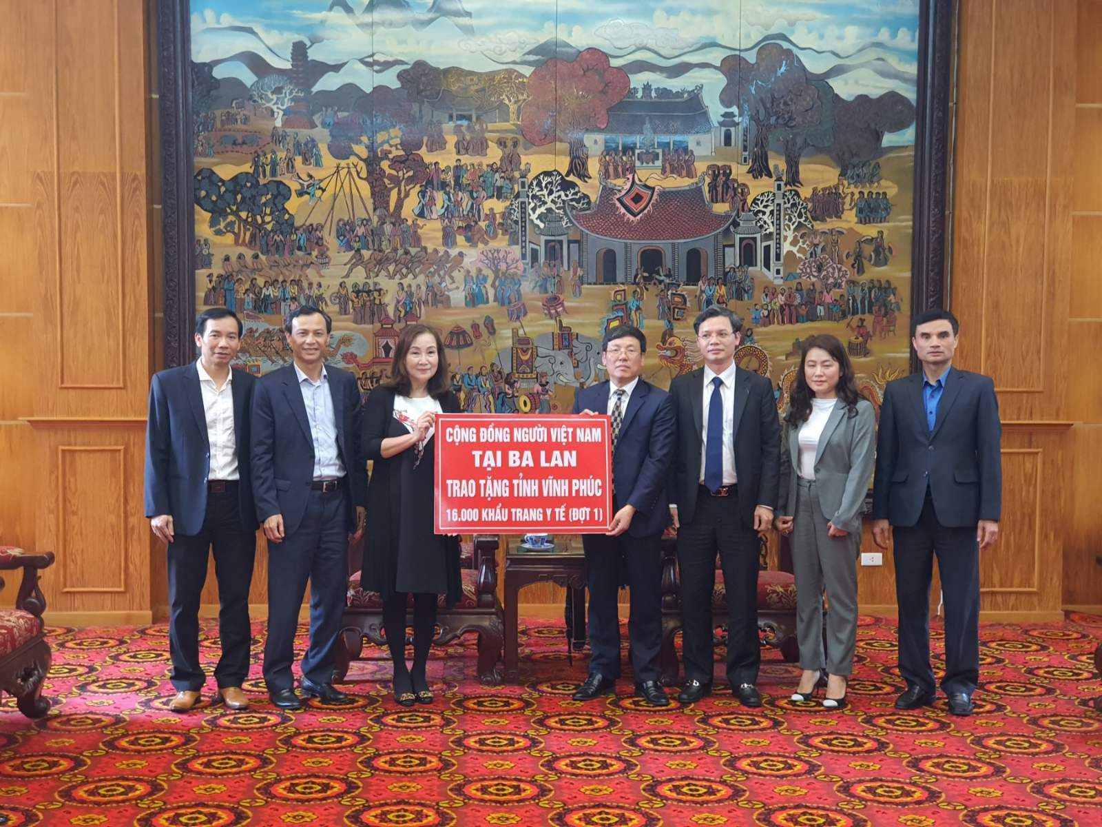 Vietnamese people in Poland join hands to prevent Covid-19