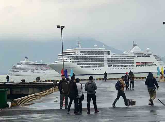 Thua Thien Hue welcomes two cruises