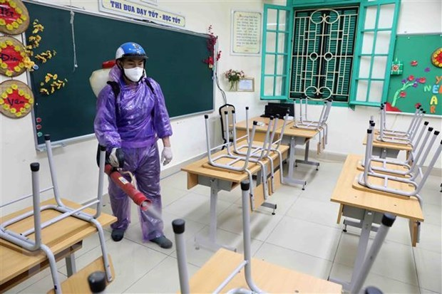 Hanoi, Ho Chi Minh City schools to stay shut for another week