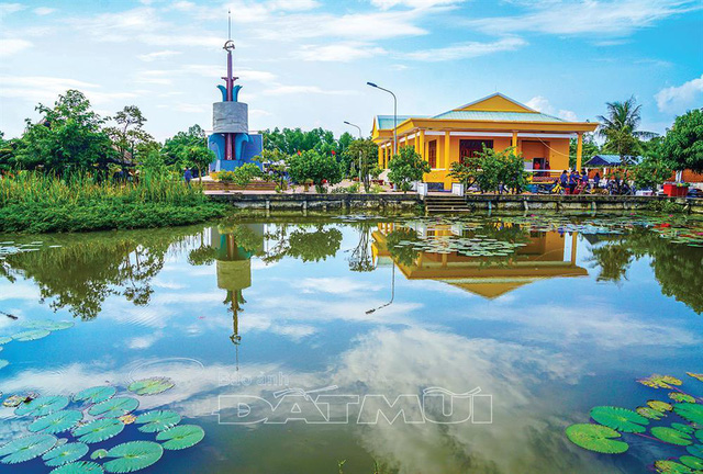 Investigating 32 typical cultural heritages in Ca Mau