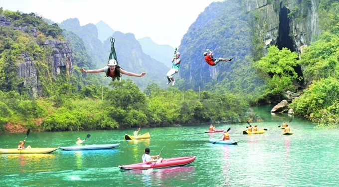 Quang Binh and Thua Thien Hue temporarily close tourist sites