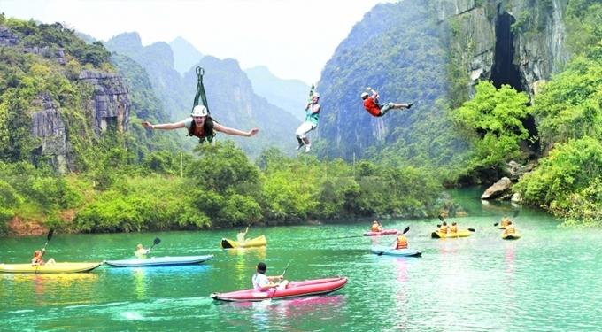 Quang Binh and Thua Thien Hue temporarily close tourist sites