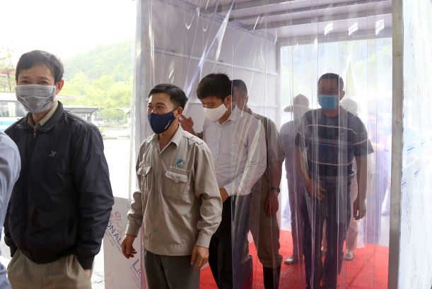 Quang Ninh province's company successfully produces mobile disinfection chamber