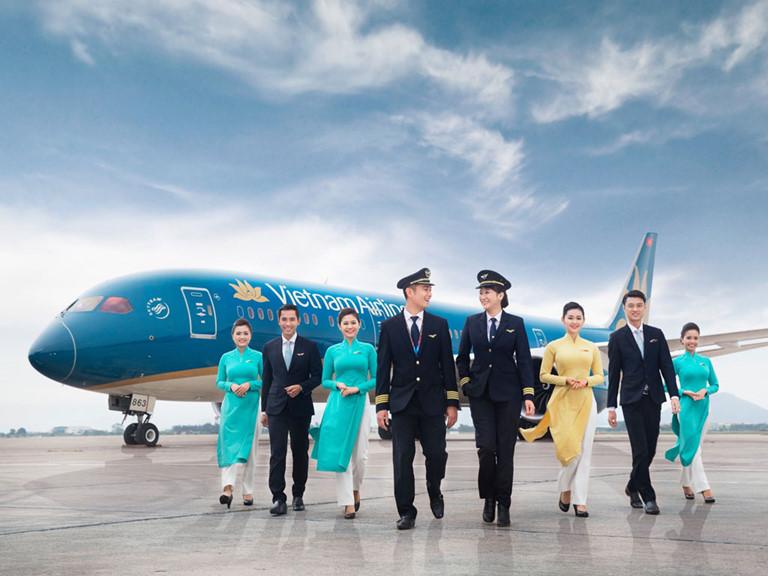 Vietnam Airlines freely carries nearly 600 passengers finishing quarantine