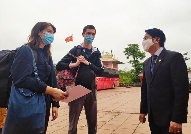 Irish tourists show gratitude to Vietnamese authorities