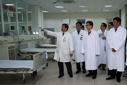 International press calls on learning from Vietnam's experience in COVID-19 fight