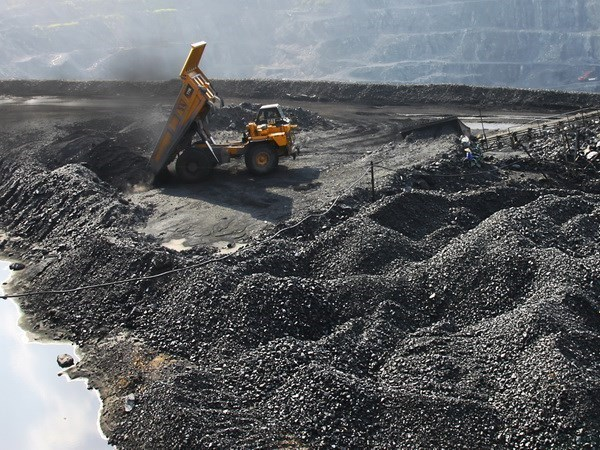 COVID-19: Coal industry helps Quang Ninh maintain economic growth