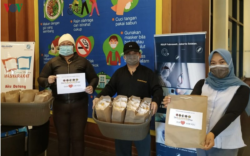 Vietnamese bread presented to doctors fighting COVID-19 in Indonesia