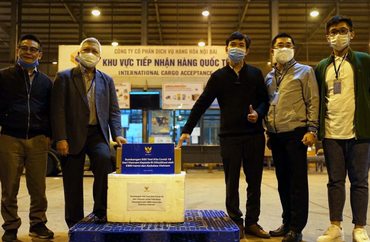 Vietnam donates 500 tests of COVID-19 to Indonesia