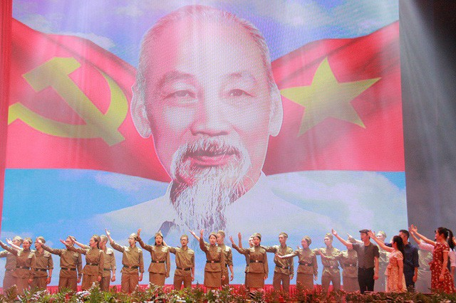 Dissemination in Bac Giang to celebrate President Ho Chi Minh's 130th birthday