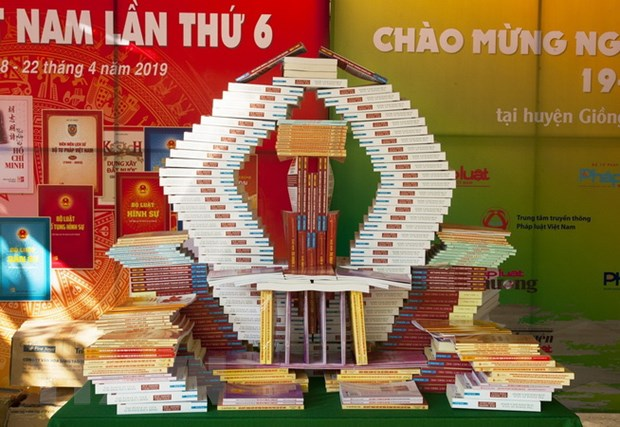 Online book fair to welcome 7th Vietnam Book Day