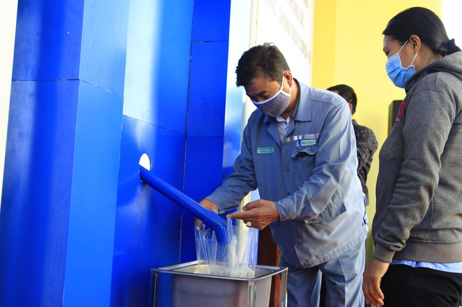 Rice ATM for workers in Khanh Hoa province installed