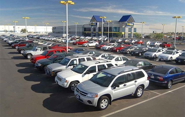 Vietnam's car imports plummet over 40 percent in first two months