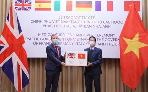 US newspaper highlights Vietnamese medical support to EU in COVID-19 fight