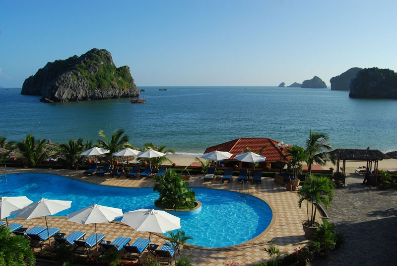 Cat Ba - Striking archipelago with rich historical tradition