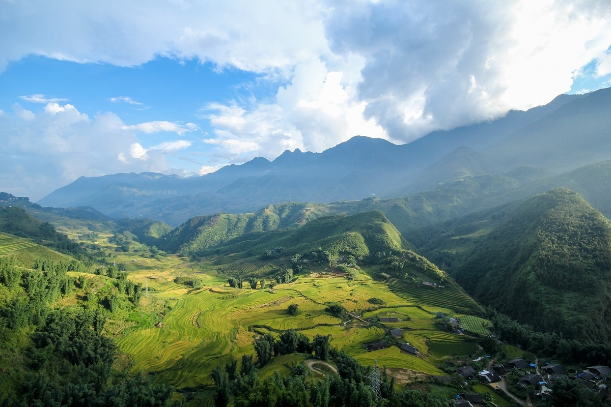 Vietnam's mountainous village honoured in foreign newspaper