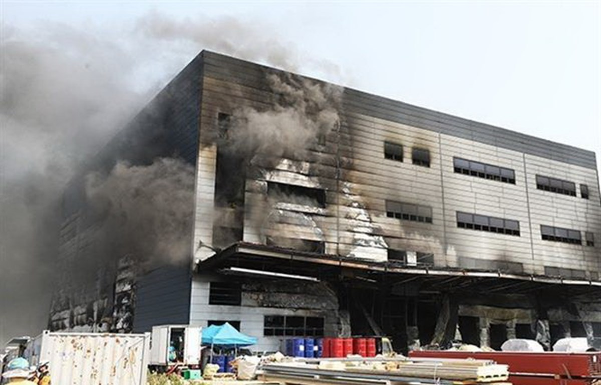 PM Nguyen Xuan Phuc offers sympathy to RoK over deadly fire in Gyeonggi