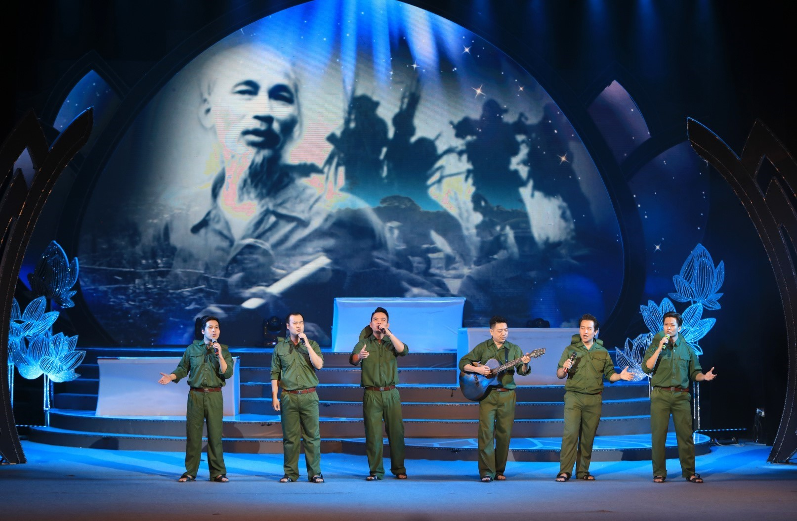 Special art programme marks President Ho Chi Minh's birth anniversary