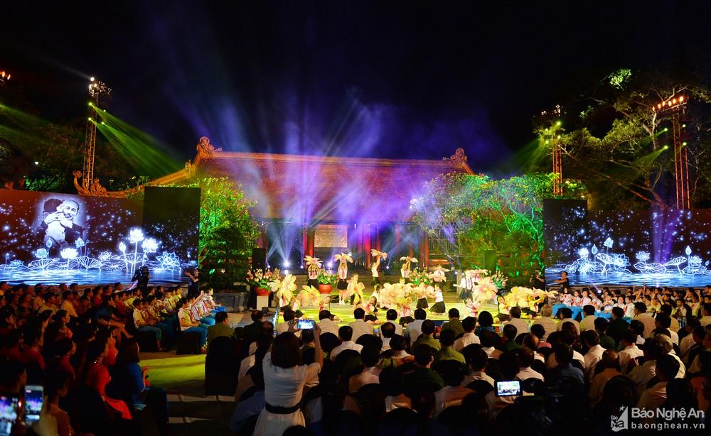 Special art programme celebrate President Ho Chi Minh's birthday